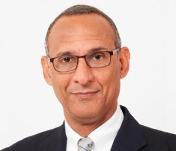 Dr Damien King